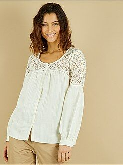 Top, blusa - Blusa de malha gofrada e renda - Kiabi