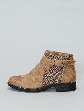 487fee9c6 Vários modelos de botas e botins de senhora baratos Calçado