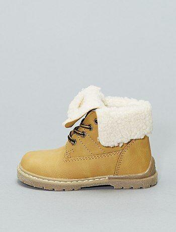 99ae87197ae Vários modelos de botas baratas para menino e rapazes Calçado