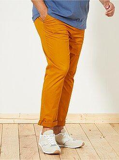 Calças chino justas em sarja elástica - Kiabi