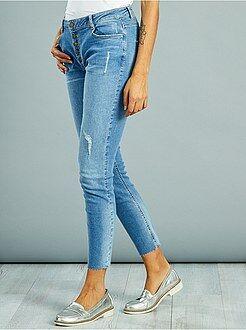 Jeans - Calças de ganga skinny destroy com braguilha com botões