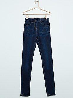 Jeans - Calças de ganga super skinny com cintura subida