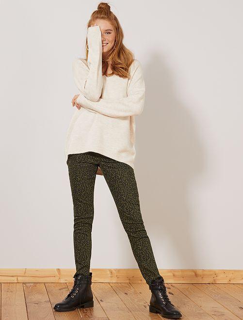 Calças skinny elásticas com estampado                                                         CAQUI Mulher do 34 até 48