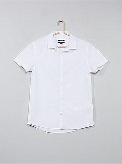 Camisa branca em popelina - Kiabi
