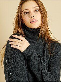 Camisola - Camisola de gola alta mangas com folhos e pérolas