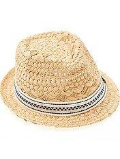 Chapéu de palha com forma borsalino