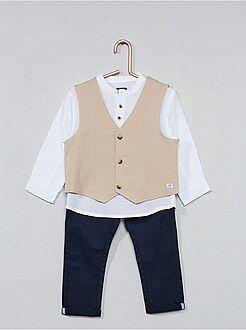 Conjunto colete, camisa e calças - Kiabi