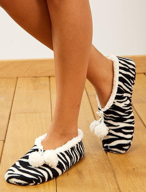 Pantufas em imitação de pelo                                                     Zebra