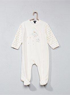 Pijama de veludo com estampado estrela