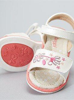 Sandálias com tiras de velcro - Kiabi