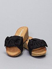 Socas e chinelas femininas, várias cores e modelos Calçado