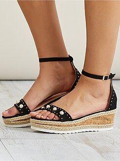 Calçado tamanho 40 - Sandálias de camurça - Kiabi
