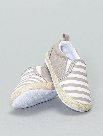 37a6f61fdb Calçado - Sapatos tipo alpergata em algodão - Kiabi