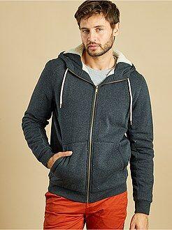 Sweatshirt forrada a sherpa com fecho e capuz