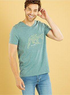 T-shirt com gola em V e estampado 'natureza'
