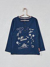 T-shirt com gola tunisina