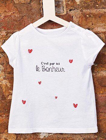 03fc7fa56 Conheça as roupas para os miúdos e os produtos de puericultura