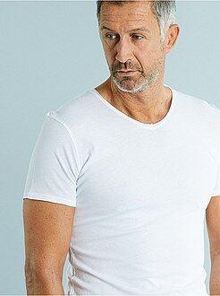 T-shirt slim gola em V jersey light