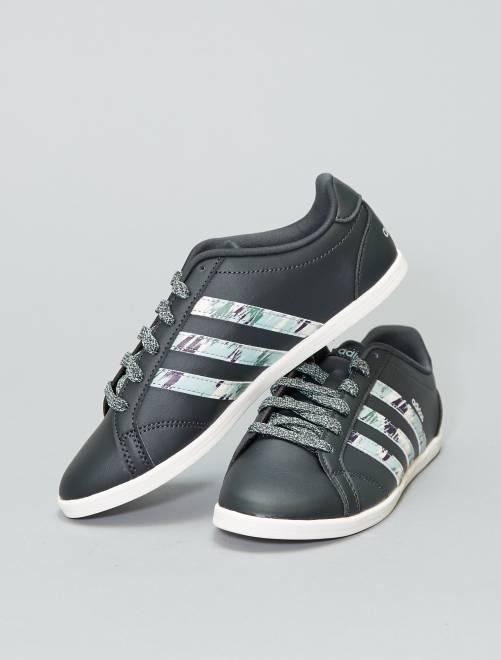 d1349107af3 Ténis rasos  Adidas  Mulher do 34 até 48 - Branco - Kiabi - 55