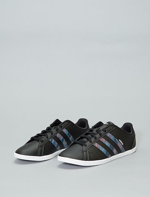 6e44fc75a51 Ténis rasos  Adidas  Mulher do 34 até 48 - Preto - Kiabi - 55