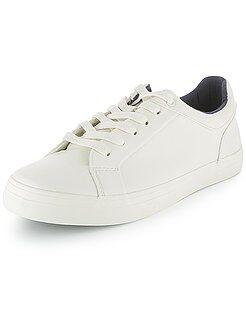 Calçado, pantufas - Ténis rasos brancos em pele sintética