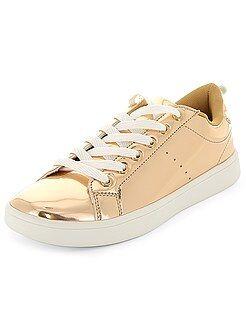 Calçado branco - Ténis rasos com atacadores metalizados - Kiabi