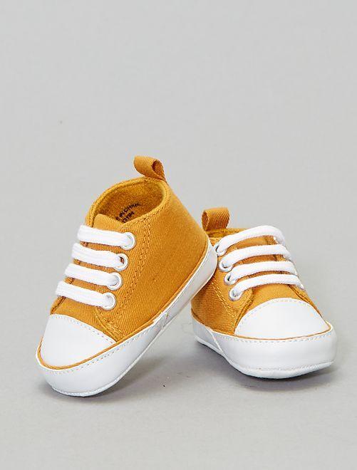 Ténis subidos em tecido                                                                                         Amarelo Menino 0-36 meses