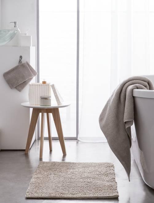 Toalha de banho de 70 x 130 cm e 500 g                                                                                                                                         bege