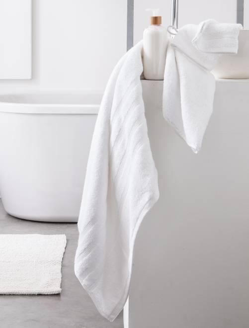 Toalha de banho de 70 x 130 cm e 500 g                                                                                                                                         Branco
