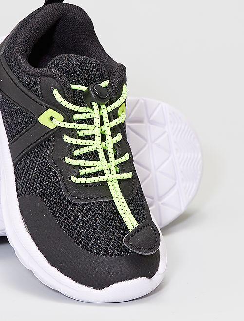 Uns ténis fáceis de calçar!                                         Preto