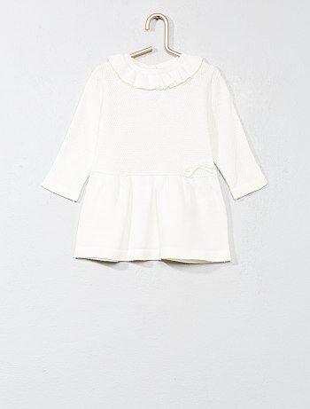 Vestido de malha com gola com folhos - Kiabi