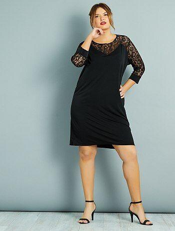 34230e618f Mulher tamanhos grandes - Vestido direito com plastrão e mangas em renda -  Kiabi