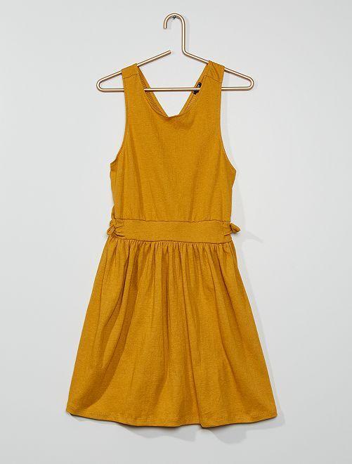 Vestido evasé                                                                             amarelo mostarda