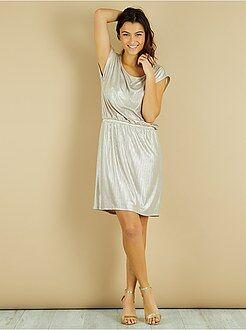 Vestido plissado brilhante - Kiabi