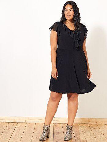 Vestido preto com folhos - Kiabi