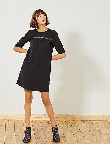 Vestido preto com pormenor frontal - Kiabi