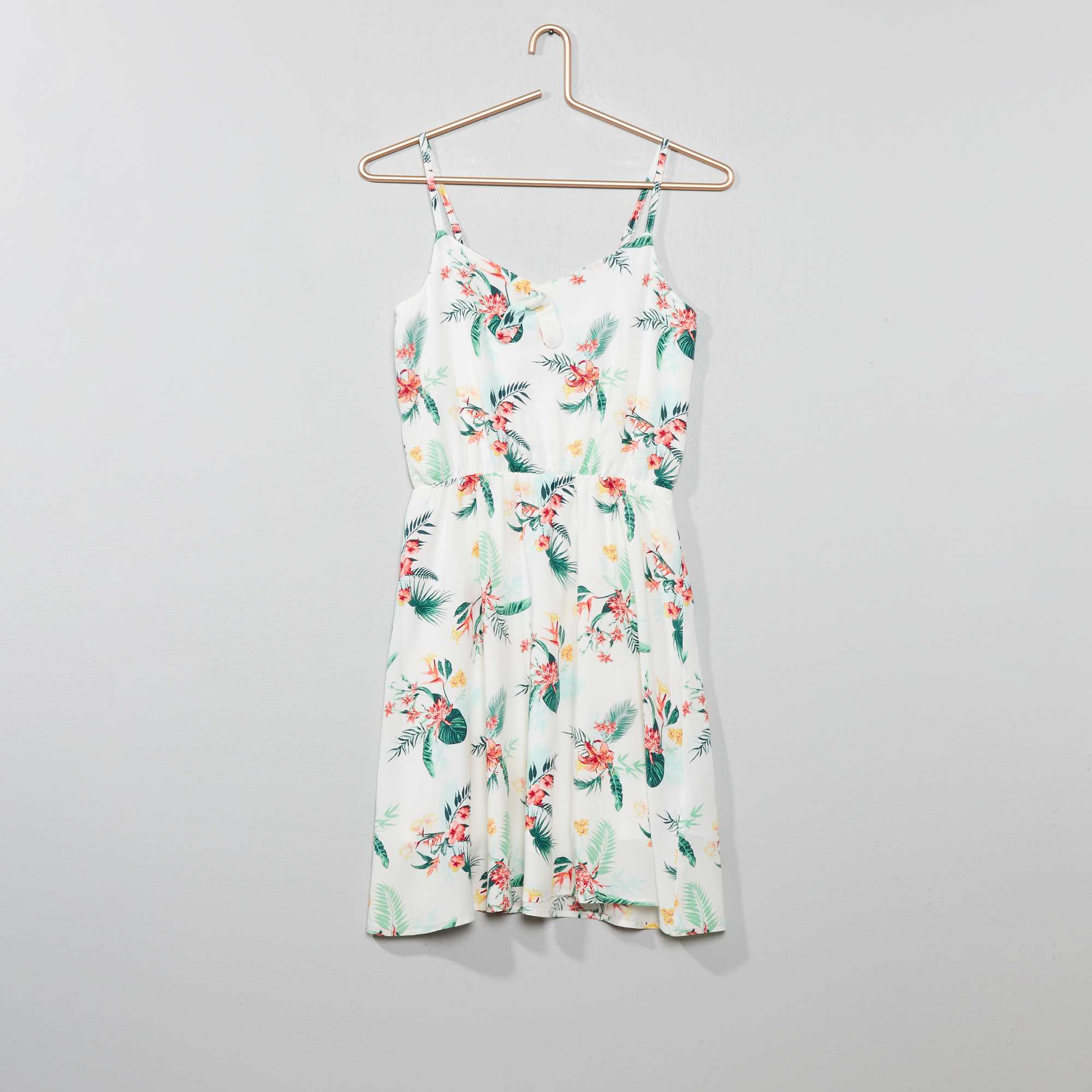3ccb7556a Vestido soltinho estampado Branco Menina 10-18 anos. Loading zoom